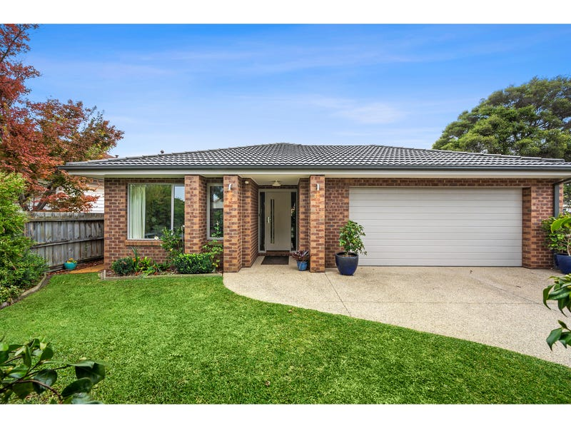 2 Rugby Street, Belmont, Vic 3216
