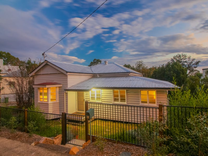 64 Pine Mountain Road, North Ipswich, Qld 4305