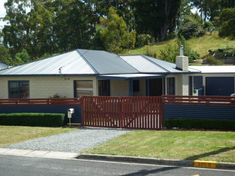 7 Hearps Road, West Ulverstone, Tas 7315