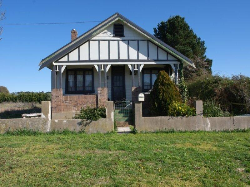 16 Orchard Street, Taralga, NSW 2580