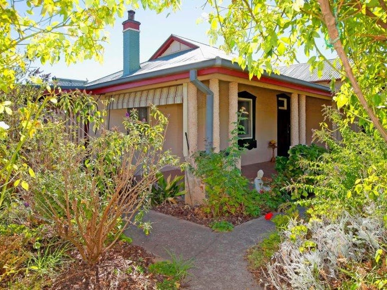 17 Pretoria Ave, Junee, NSW 2663
