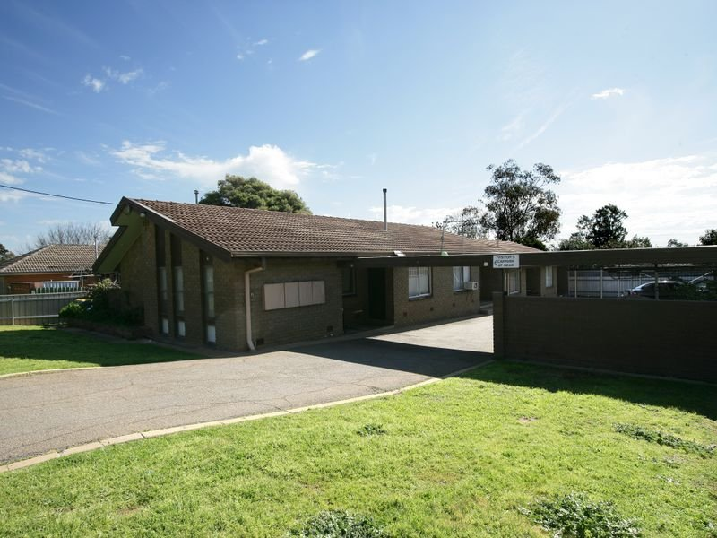 Unit 4/6 Joyes Place, Tolland, NSW 2650