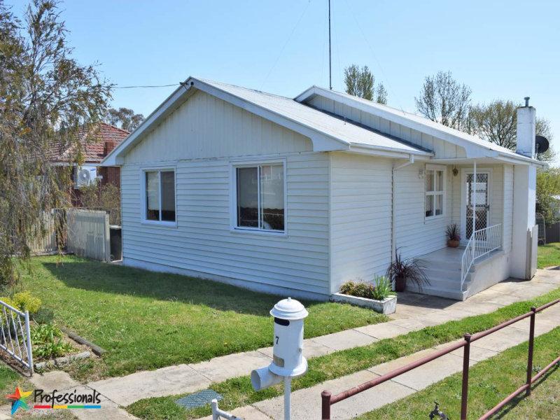 7 Rosehill Street, Bathurst, NSW 2795