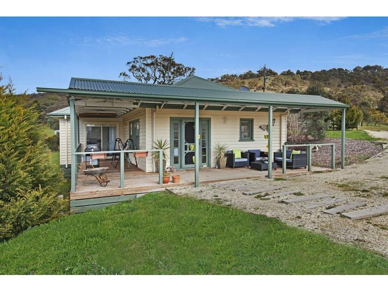 25 Duffy Street, Kilmore East, Vic 3764