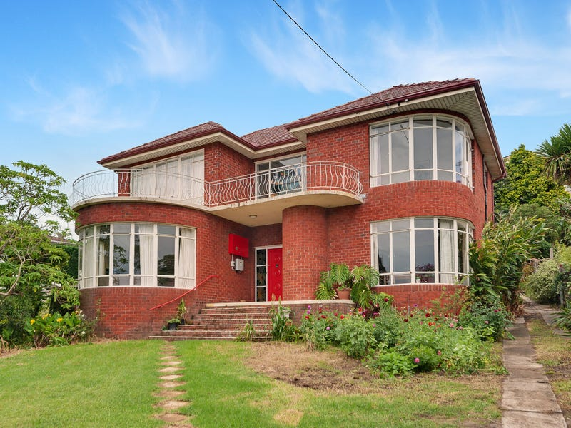 9 Dalmeny Road, Northbridge, NSW 2063