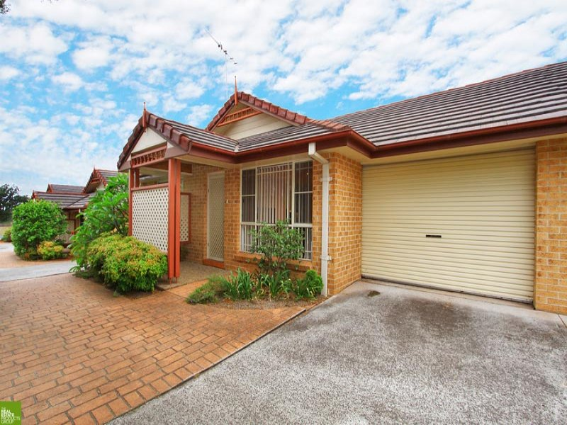 3/10 Mackie Street, Coniston, NSW 2500