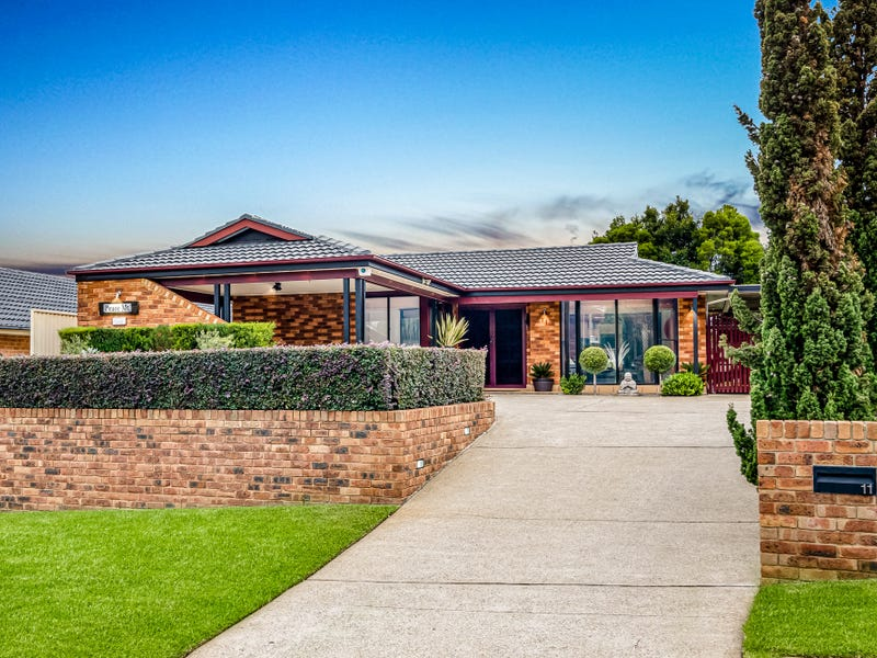 11 Glen Osmond Crescent, Bossley Park, NSW 2176