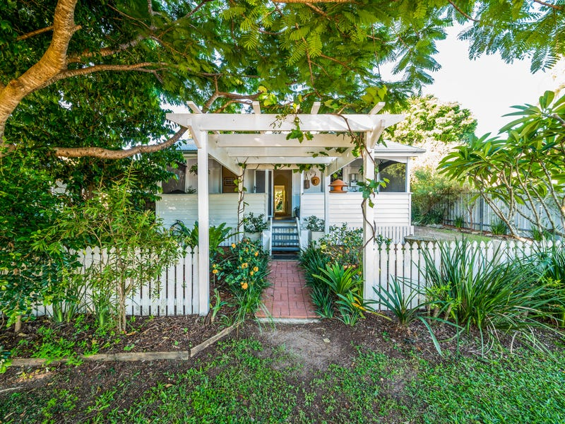 54 Laguna Street, Boreen Point, Qld 4565