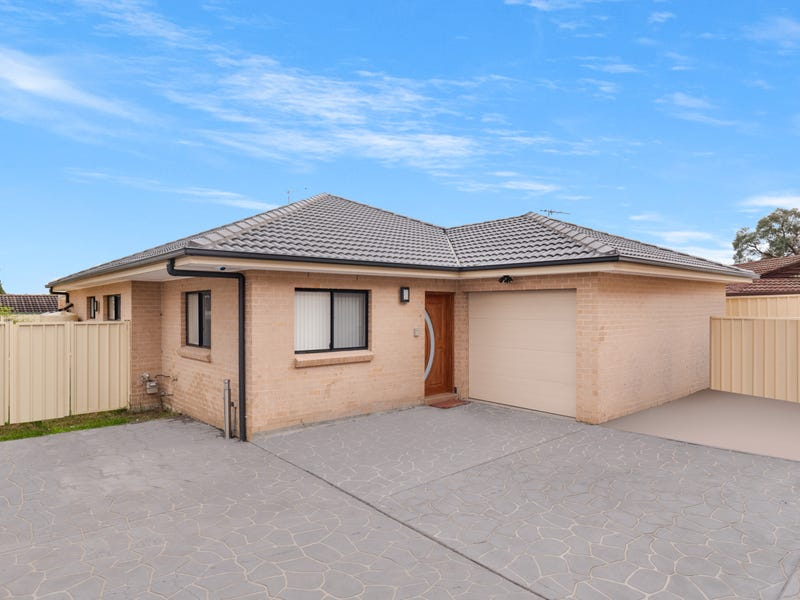 6/17 Guernsey Avenue, Minto, NSW 2566