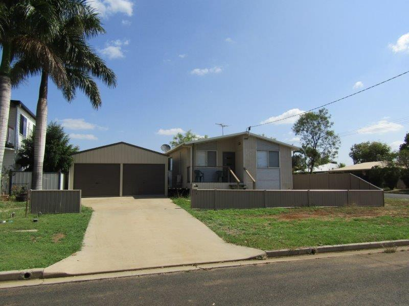 1 Cherry Street, Blackwater, Qld 4717