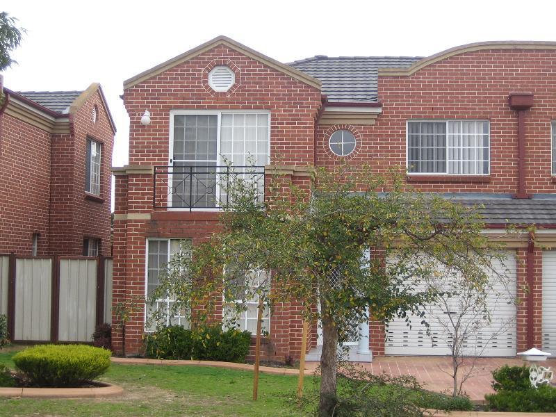 14/32 Claremont Court, Wattle Grove, NSW 2173