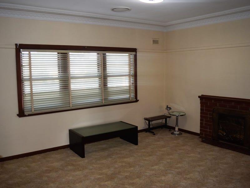 1 Flynn Street, Parkes, NSW 2870