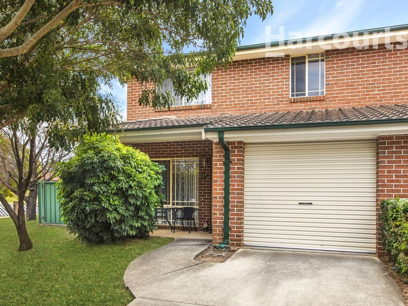 17/101 Hurricane Drive, Raby, NSW 2566