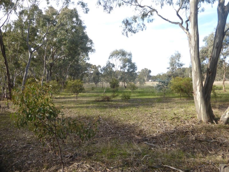 . Sandbar Road, Deep Lead, Vic 3385