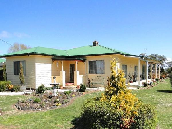 294 Falconer Street, Guyra, NSW 2365