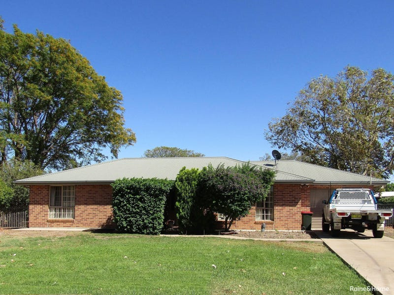 4 Mary Mackillop Place, Moree, NSW 2400