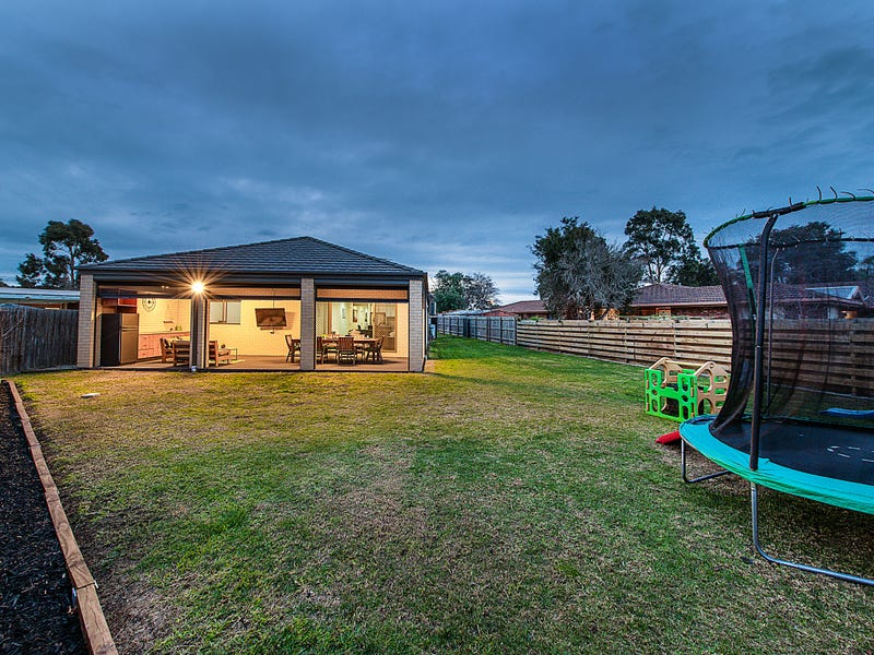 5 Norwood Court, Cranbourne, Vic 3977