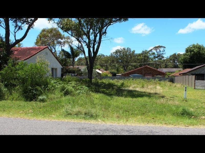 30 Muneela Avenue, Hawks Nest, NSW 2324