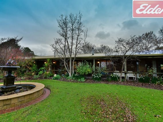 953 Lake Road, Bethanga, Vic 3691