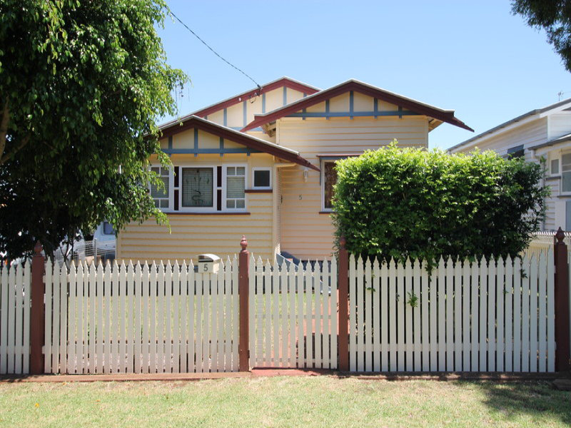 5 Kennedy Street, North Toowoomba, Qld 4350