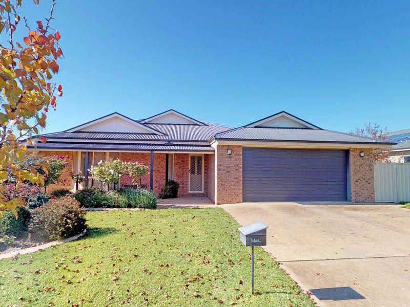 11 Adams Street, Junee, NSW 2663