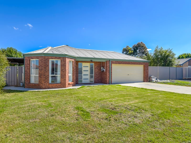 11 Ball Street, Darley, Vic 3340