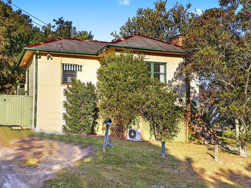 21 Hely Street, West Gosford, NSW 2250