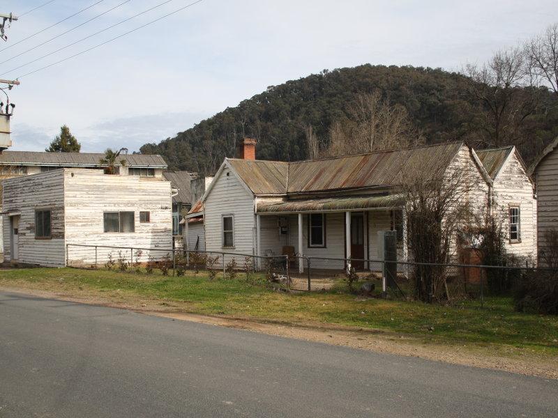8 Little Snowy Creek Road, Eskdale, Vic 3701