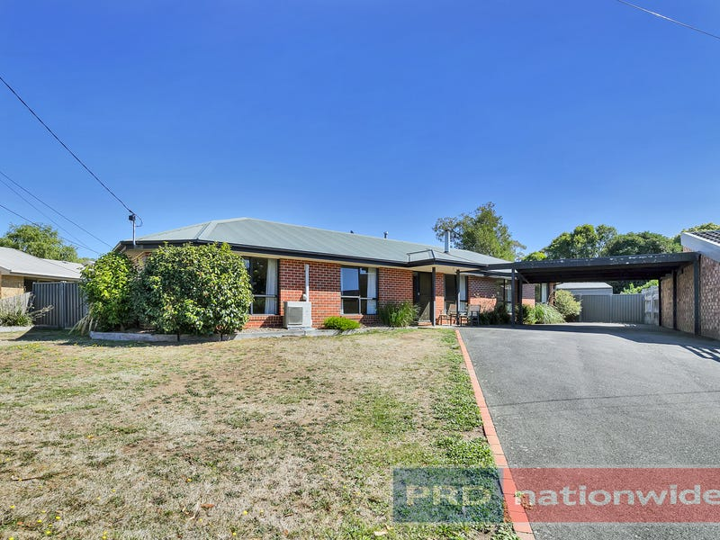 6 Ashley Grove, Mount Helen, Vic 3350