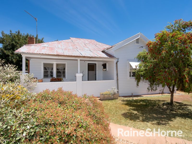 108 Mirrool Street, Coolamon, NSW 2701