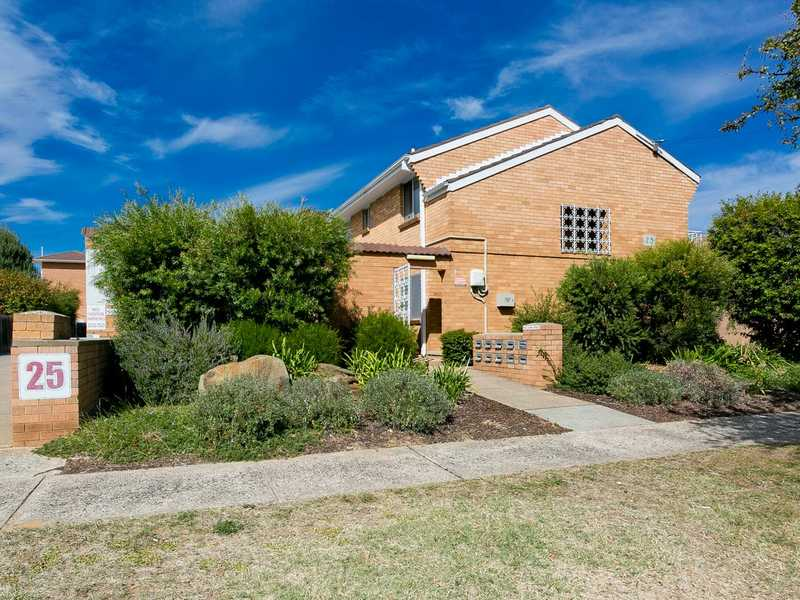 8/25 MacQuoid Street, Queanbeyan East, NSW 2620