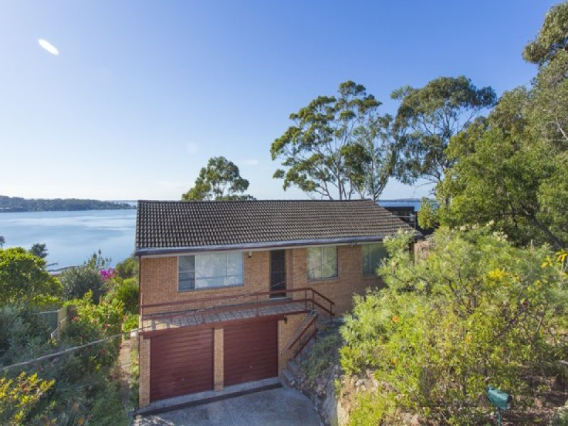 65 Sunlight Parade, Fishing Point, NSW 2283