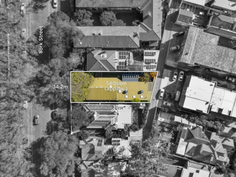 8 York Street, St Kilda West, Vic 3182