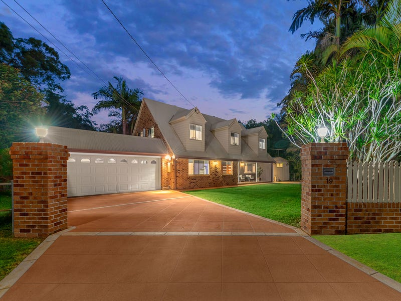 19 St Andrews Ave, Birkdale, Qld 4159