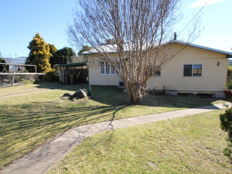110 Wood Street, Tenterfield, NSW 2372