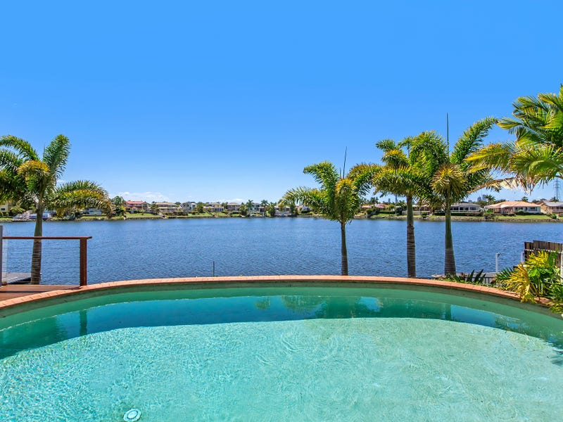 154  Port Jackson Boulevard, Clear Island Waters, Qld 4226