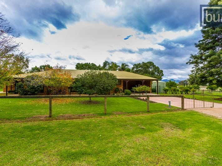 655 Dights Forest Rd, Table Top, NSW 2640