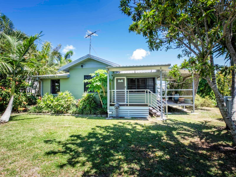 32 McKenney Street, South Mackay, Qld 4740