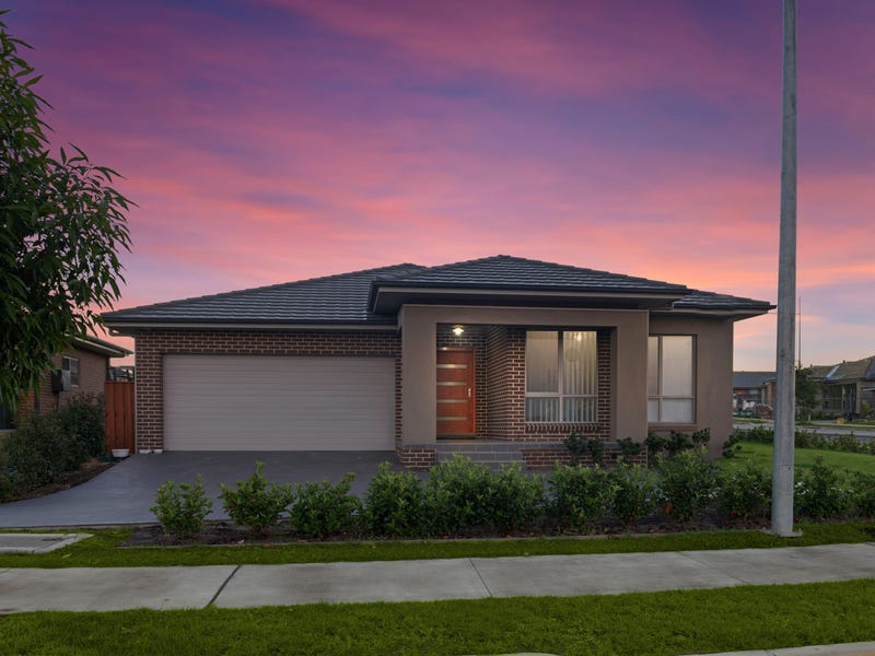 365 South Circuit, Oran Park, NSW 2570