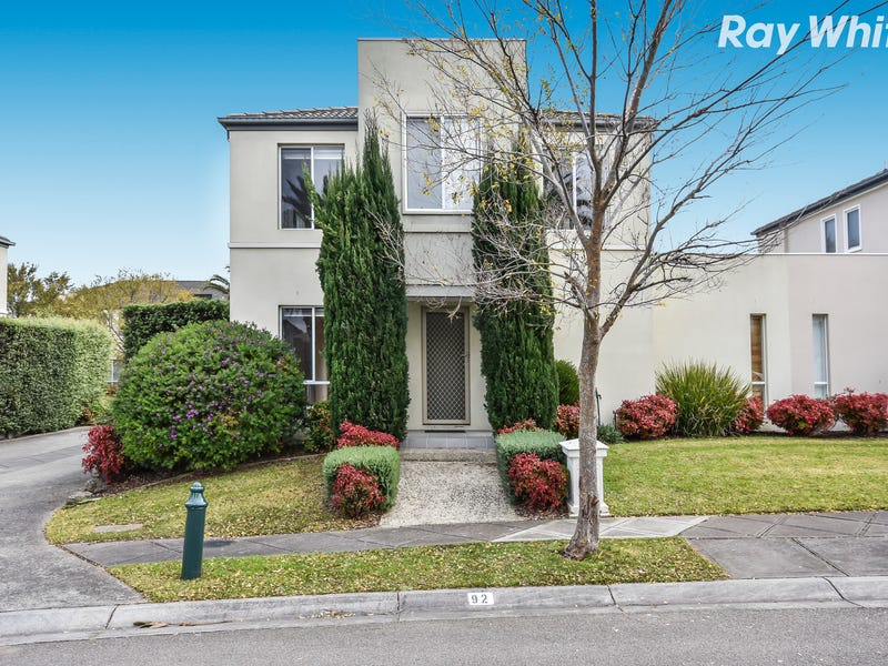 92 Sovereign Manors Crescent, Rowville, Vic 3178