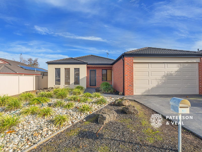 19 Imperial Way, Canadian, Vic 3350