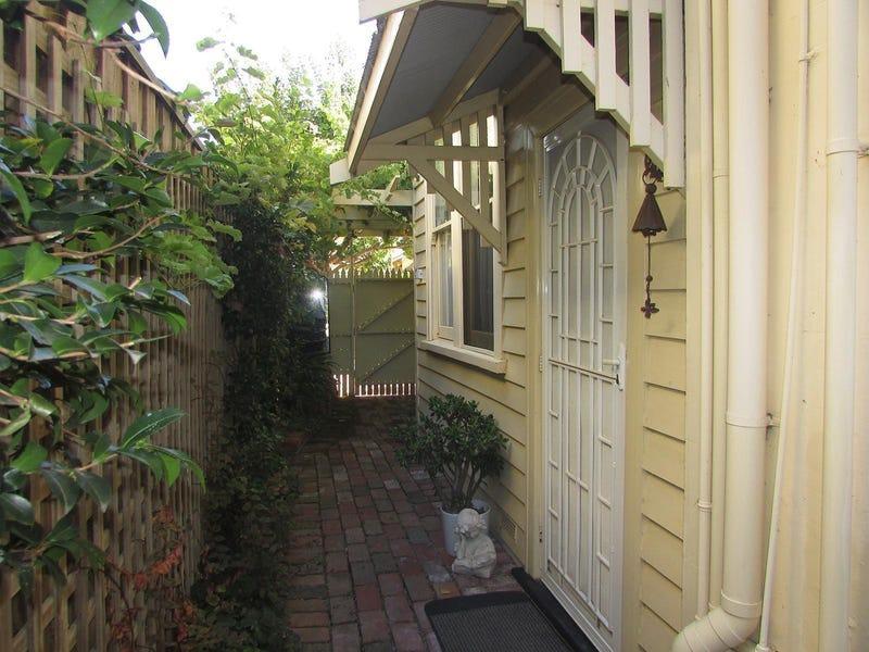 1/366 Ryrie Street, Geelong