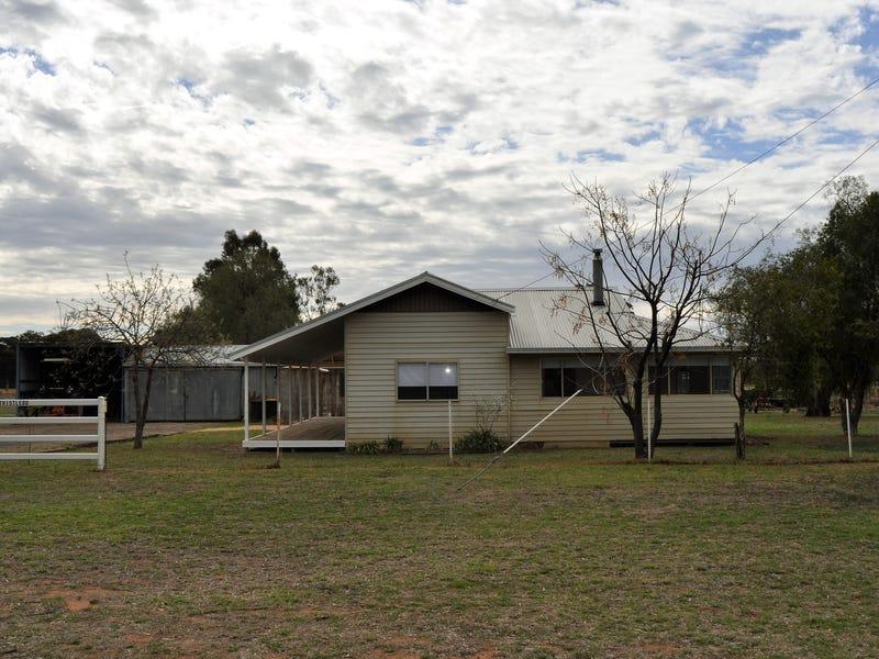 72 Railway Road, Mendooran, NSW 2842