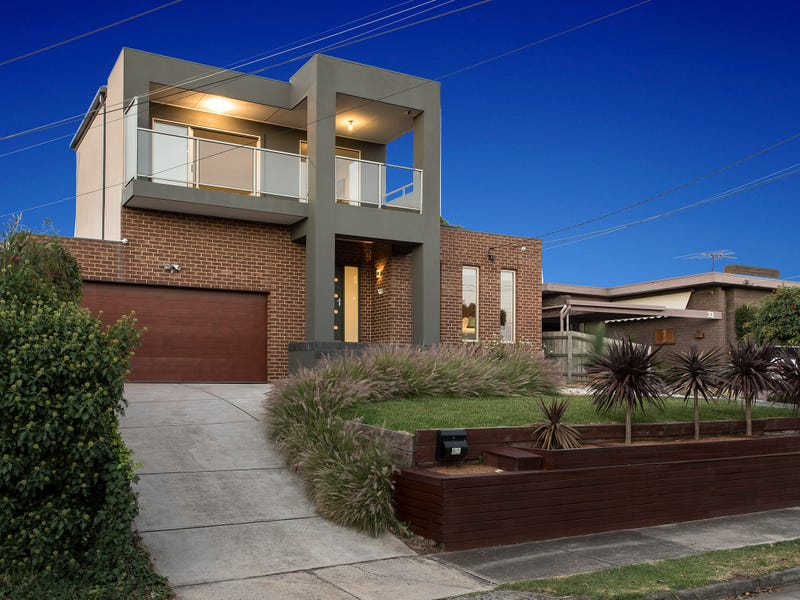 31 Caravelle Crescent, Strathmore Heights, Vic 3041