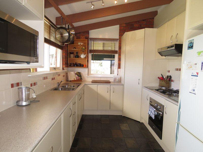 18 Crown Ridge Avenue, Newlands Arm, Vic 3875
