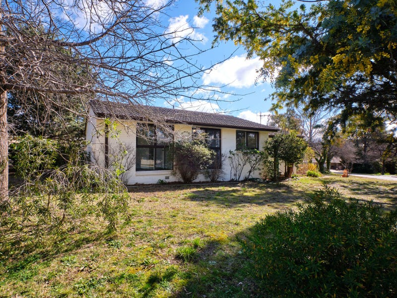 2 Shann Place, Chifley, ACT 2606