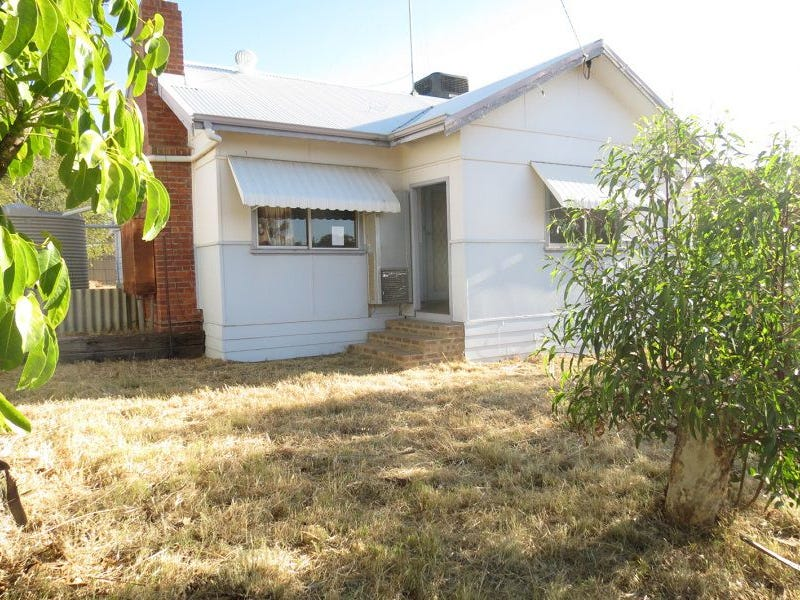 43 Goldfields Road, Dowerin, WA 6461