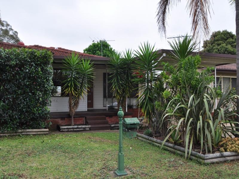 13 Sunset Avenue, Lurnea, NSW 2170