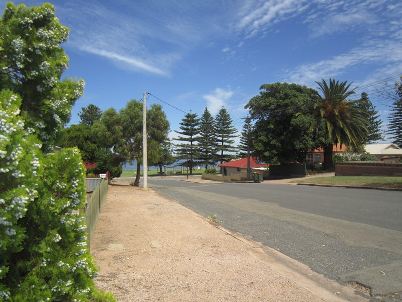 6 Edmund Street, Port Broughton, SA 5522