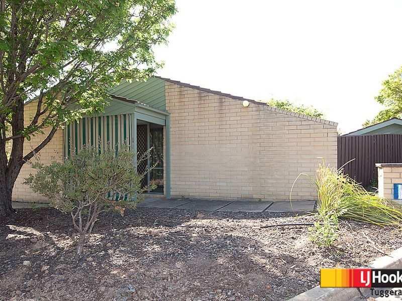 Unit 1,4 Hodgson Place, Pearce, ACT 2607